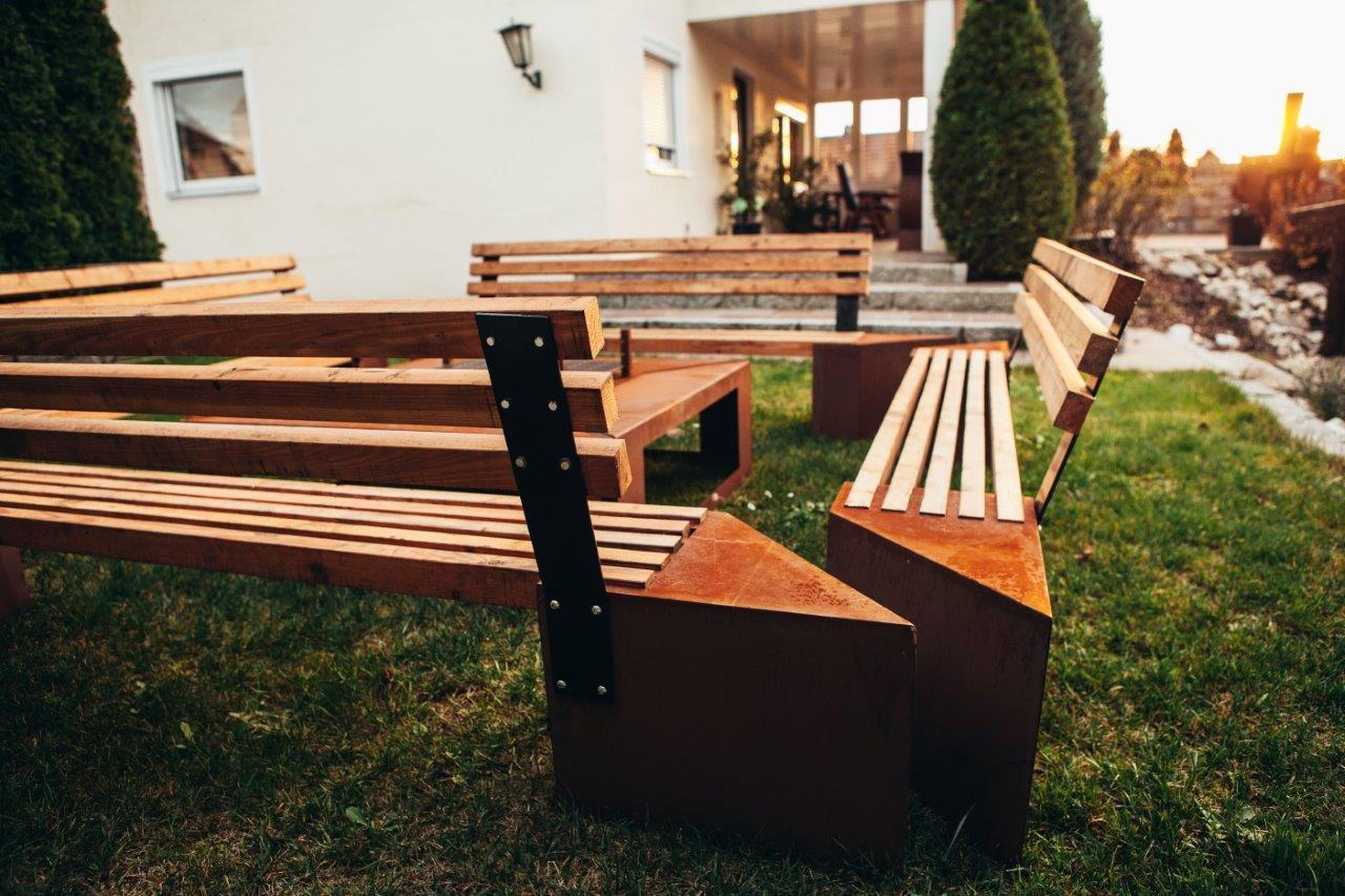 feuerstelle friendship. Black Bedroom Furniture Sets. Home Design Ideas